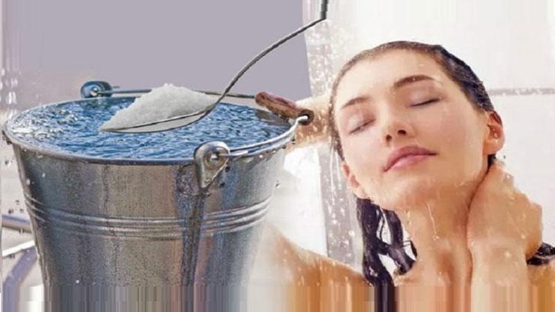 Beauty Tips: नहाने के पानी में करे इनका इस्तेमाल, खूबसूरत और चमकदार बनेगी त्वचा