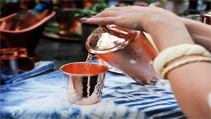 जानिये तांबे के बर्तन में पानी पीने के 10 बेहतरीन फायदें: सेहत के लिए है रामबाण..