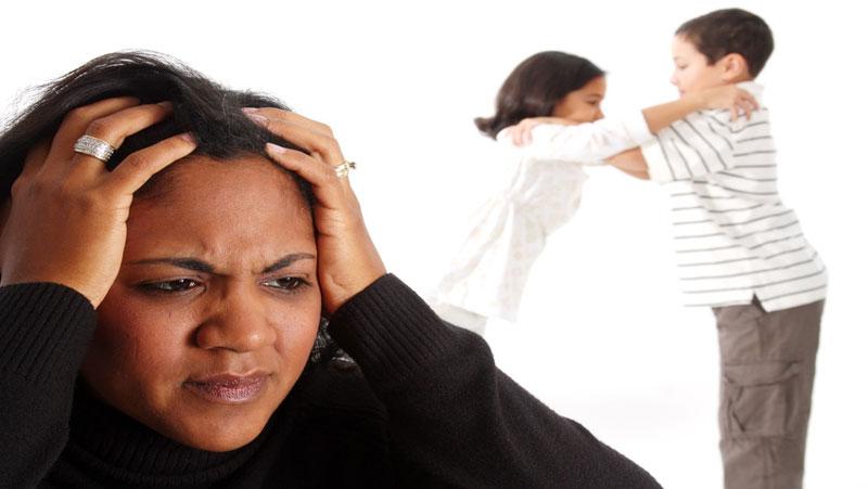आपकी शरारतों से नहीं, बल्कि इस वजह से बड़े भाई-बहन को आता है ज्यादा गुस्सा..
