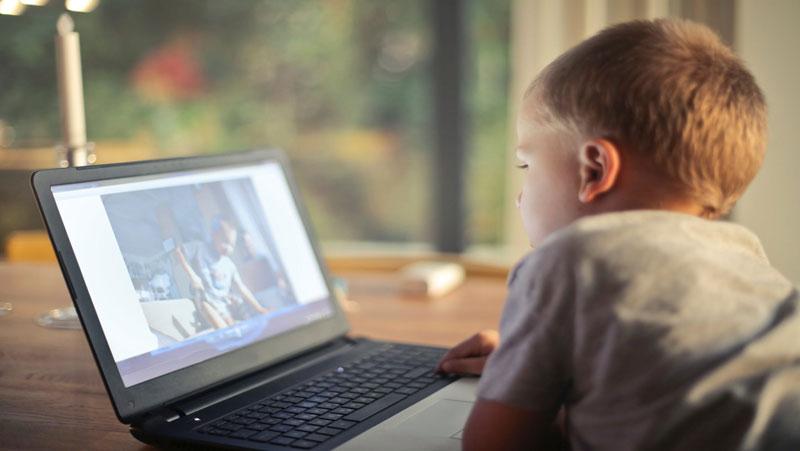 कहीं आपका बच्चा भी तो नहीं देखता है ये वेबसाइट, तो हो जाईये सावधान..