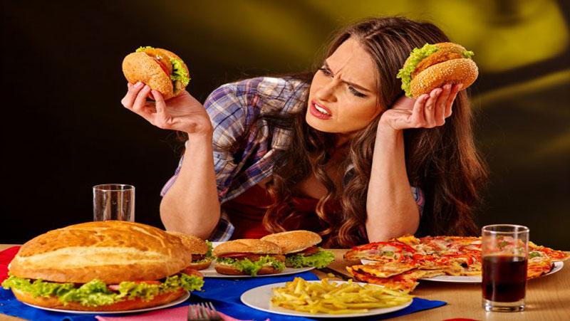 आपके प्यारे जंक फूड पिज्जा-बर्गर बन सकते है डिप्रेशन का कारण, रिसर्च के मुताबिक..
