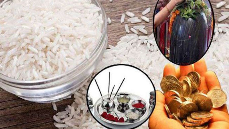 भूलकर भी भगवान पर नहीं चढ़ाएं खंडित चावल, पूजा करते समय इन बातो का रखे विशेष ख्याल..