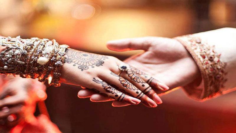 """शादी करने के लिए लड़को की पहली पसंद होती है """" वर्किंग लड़कियां """" जानिये मुख्य कारण..."""