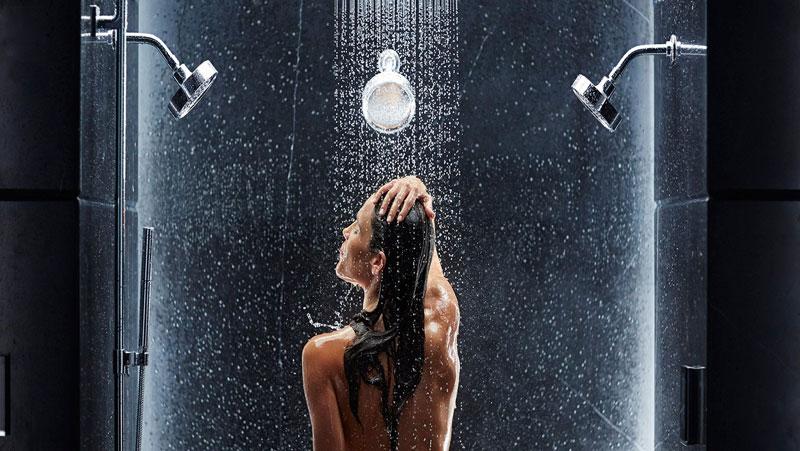 नहाना स्टार्ट करते समय सबसे पहले सिर पर पानी कभी न डालें | नहीं तो आप हो सकते है ब्रेन स्ट्रोक और हार्ट अटैक के शिकार |