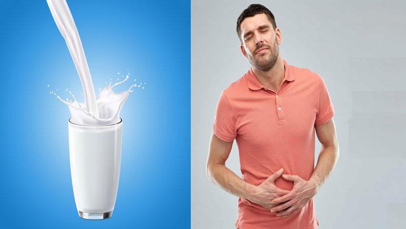 अगर आप दूध पीने के शौकीन है तो दूध पीने से पहले  कभी न खाएं इन 5 चीजों को...